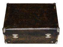 Geïsoleerde Gekraste Uitstekende Bruine Koffer op een Witte Achtergrond Stock Foto