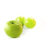Geïsoleerde groene appelen Royalty-vrije Stock Afbeelding