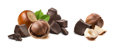 Geïsoleerde hazelnootchocolade gebroken stukken stock foto's