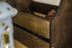 Geïsoleerde houten doos Stock Foto