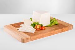 Geïsoleerde kaas met decoratie Royalty-vrije Stock Foto's