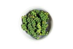 Geïsoleerde kom verse groene paprika Royalty-vrije Stock Fotografie