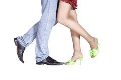 Geïsoleerde meisje en man benen Stock Afbeelding