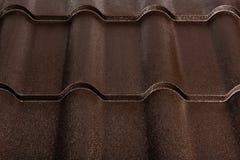 Geïsoleerde metaaltegel Modern dakwerkmateriaal Diagonale textuur stock afbeeldingen