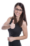 Geïsoleerde mooie jonge vrouw met omhoog glazen en duimen Stock Afbeelding
