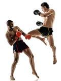 Geïsoleerde Muay Thaise kickboxing kickboxer in dozen doende mensen Stock Foto
