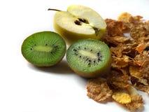 Geïsoleerde muesli en de kiwi van de appel Stock Foto's