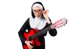 Geïsoleerde non met gitaar Royalty-vrije Stock Afbeeldingen
