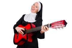Geïsoleerde non met gitaar Stock Afbeeldingen