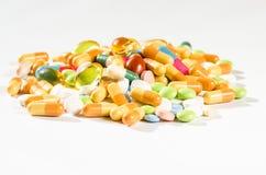 Geïsoleerde pillen Stock Afbeelding