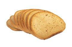 Geïsoleerde. plak van donker brood, Stock Foto's