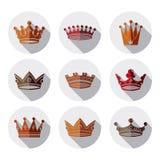 Geïsoleerde reeks 3d gouden koninklijke kronen majestic stock illustratie