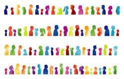 Geïsoleerde reeks grote groep families Gekleurd silhouet in profiel Gezicht hoofd gemeenschap Vele mensen kleurden veelvoudige bl royalty-vrije illustratie