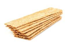 Geïsoleerde rogge, tarwe kernachtig brood stock foto's