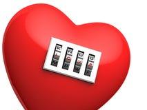 Geïsoleerde rood hart met het glanzende hangslot van de metaalcode Stock Foto