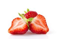 Geïsoleerde sappige aardbeien over witte achtergrond Royalty-vrije Stock Foto's