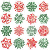 16 geïsoleerde sneeuwvlokpictogrammen Hand getrokken vectorelementen Stock Foto