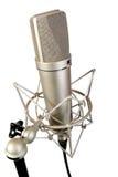 Geïsoleerde studiomicrofoon Royalty-vrije Stock Foto's