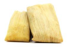Geïsoleerde Tamales op Wit stock foto