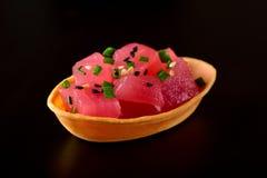 Geïsoleerde tonijn canape royalty-vrije stock foto