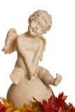 Geïsoleerded engel met bruine bladeren Royalty-vrije Stock Foto's