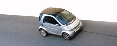 Geïsoleerdee uiterst kleine slimme kleine auto royalty-vrije stock foto