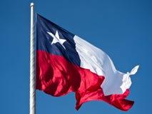 Geïsoleerdee vlag van Chili op de hemel Stock Afbeeldingen