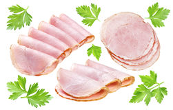 Geïsoleerdej ham Plakken van gerookte die ham met peterselie op witte achtergrond met het knippen van weg wordt geïsoleerd Stock Foto's