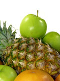 Geïsoleerder ananas en groene appelen Stock Fotografie