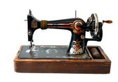 Geïsoleerder antieke naaimachine Stock Foto's