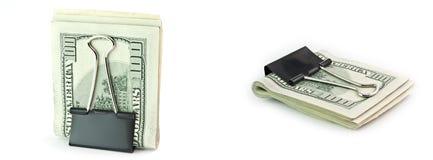 Geïsoleerdes dollar 100 in een klem Stock Fotografie