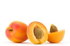 Geïsoleerdet abrikoos stock foto's