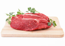 Geïsoleerdh ruw stuk van rundvlees stock afbeelding