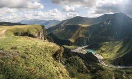 geórgia Vista do vale de uma altura Fotos de Stock