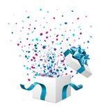 Geöffnet erforschen Sie Geschenk mit Fliegensternen Lizenzfreie Stockfotos