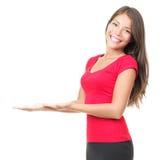 Geöffnete Hände der Frau, die Exemplarplatz anhalten Lizenzfreie Stockfotos