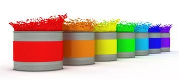 Geöffnete Lackdosen mit spritzt von den Regenbogenfarben. Lizenzfreie Stockbilder