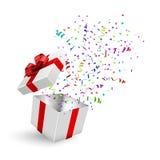 Geöffnete realistische Geschenkbox 3d mit rotem Bogen und Konfettis Vektor lizenzfreie abbildung