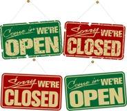 Geöffnete u. geschlossene Zeichen Lizenzfreie Stockfotografie