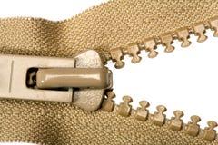 Geöffneter brauner Reißverschluss Stockbild