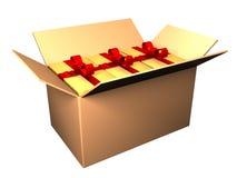 Geöffneter Kasten mit Geschenken Stockfotos