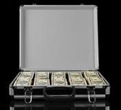 Geöffneter Koffer mit den Dollar lokalisiert auf schwarzem Hintergrund Stockfotografie