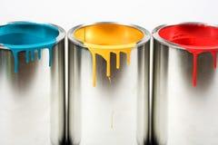 Geöffneter Lack buckets Farben stockbilder