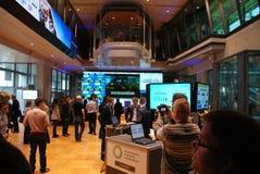 Geöffneter Tag auf der Warschau-Börse Stockfotos