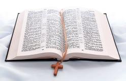Geöffnetes Bibelbuch Lizenzfreies Stockfoto