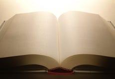 Geöffnetes Buch Stockbild