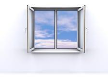 Geöffnetes Fenster mit einem Himmelhintergrund Lizenzfreie Stockfotos