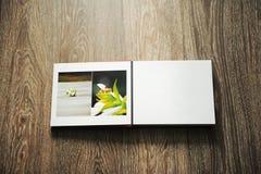 Geöffnetes Fotoalbum Stockfotos