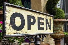 Geöffnetes Zeichen der Weinlese Lizenzfreies Stockfoto