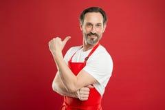 ge anvisningar Fint recept Idéer och spetsar Högsta kock och yrkesmässigt kulinariskt Laga mat Food hemma Kock med royaltyfri foto